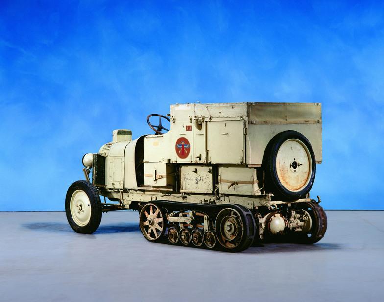 10 HP Type B2 Auto-Chenille Croisière Noire 1924
