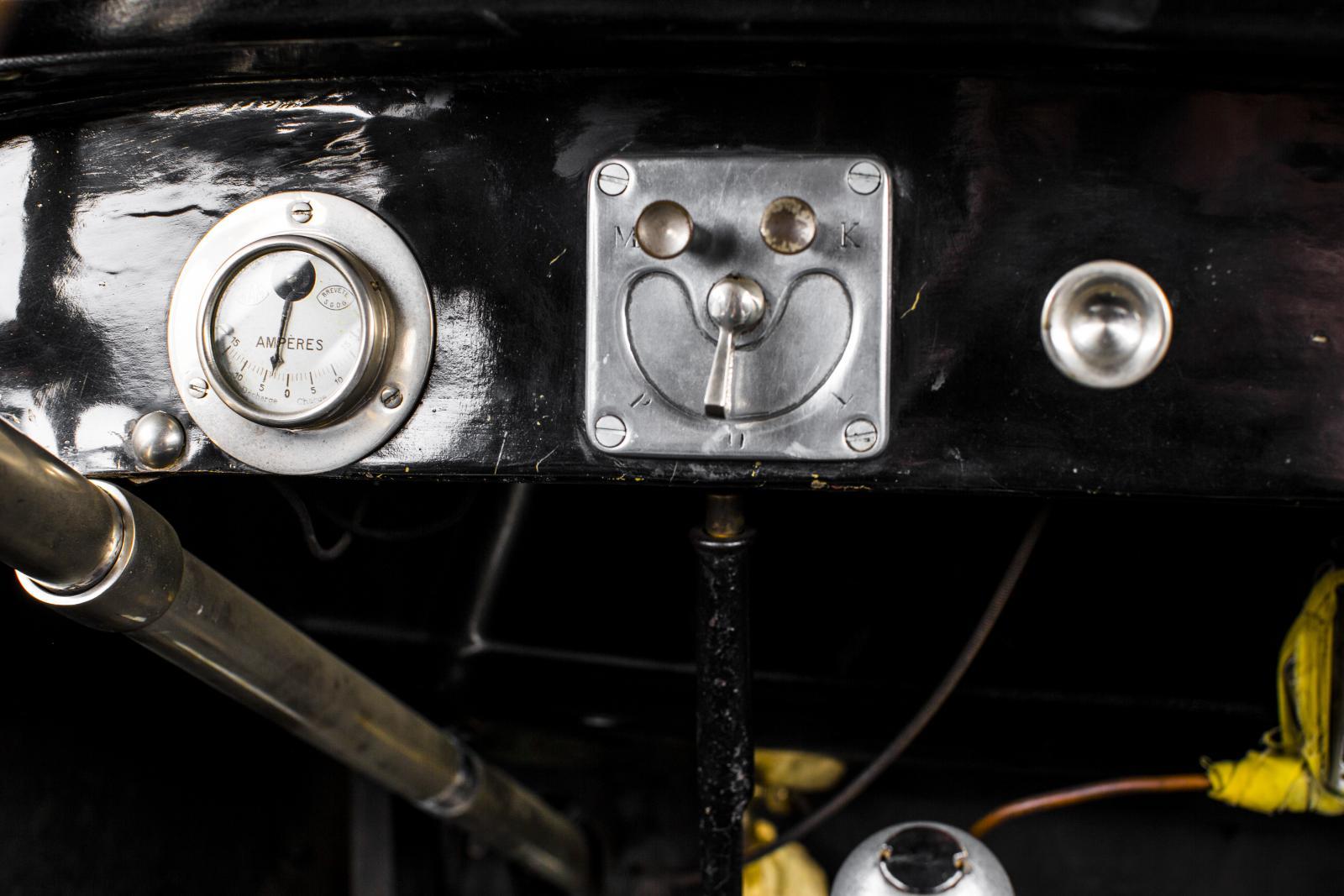 10 HP Type A tableau de bord