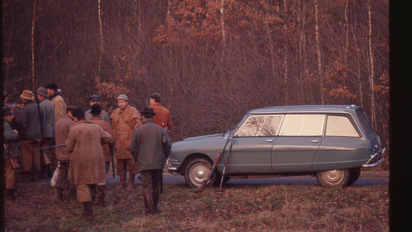 AMI 6 Break 1964 à la chasse