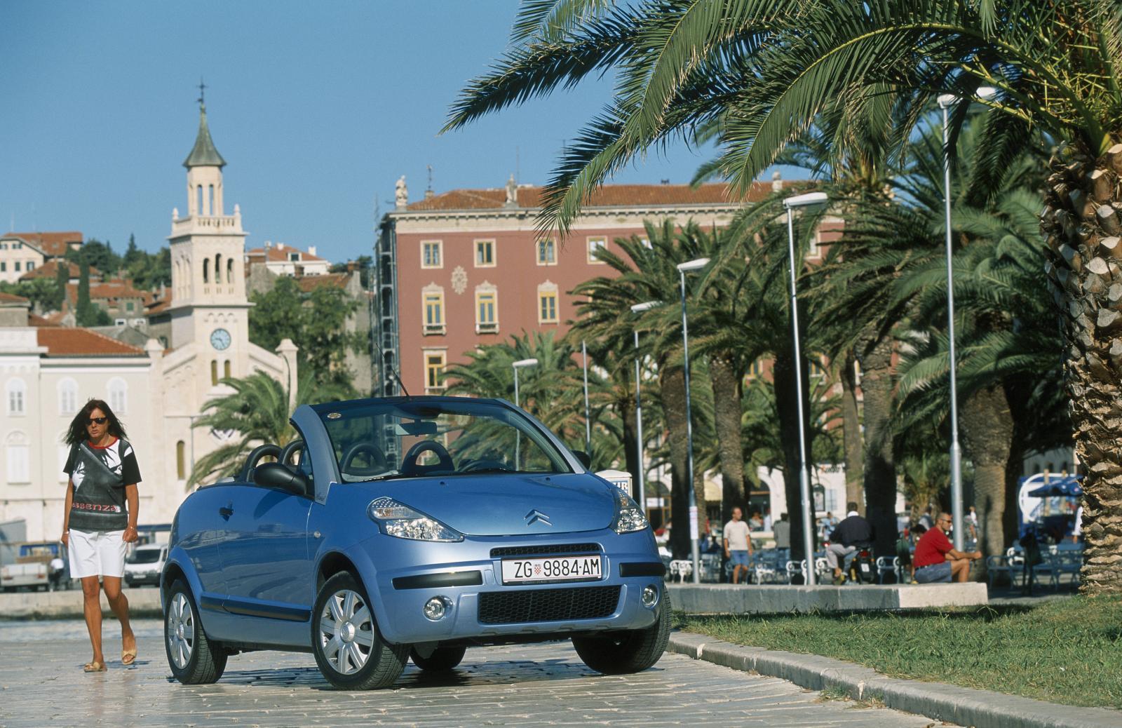C3 Pluriel 2002 Bleu Lucia arches retirées