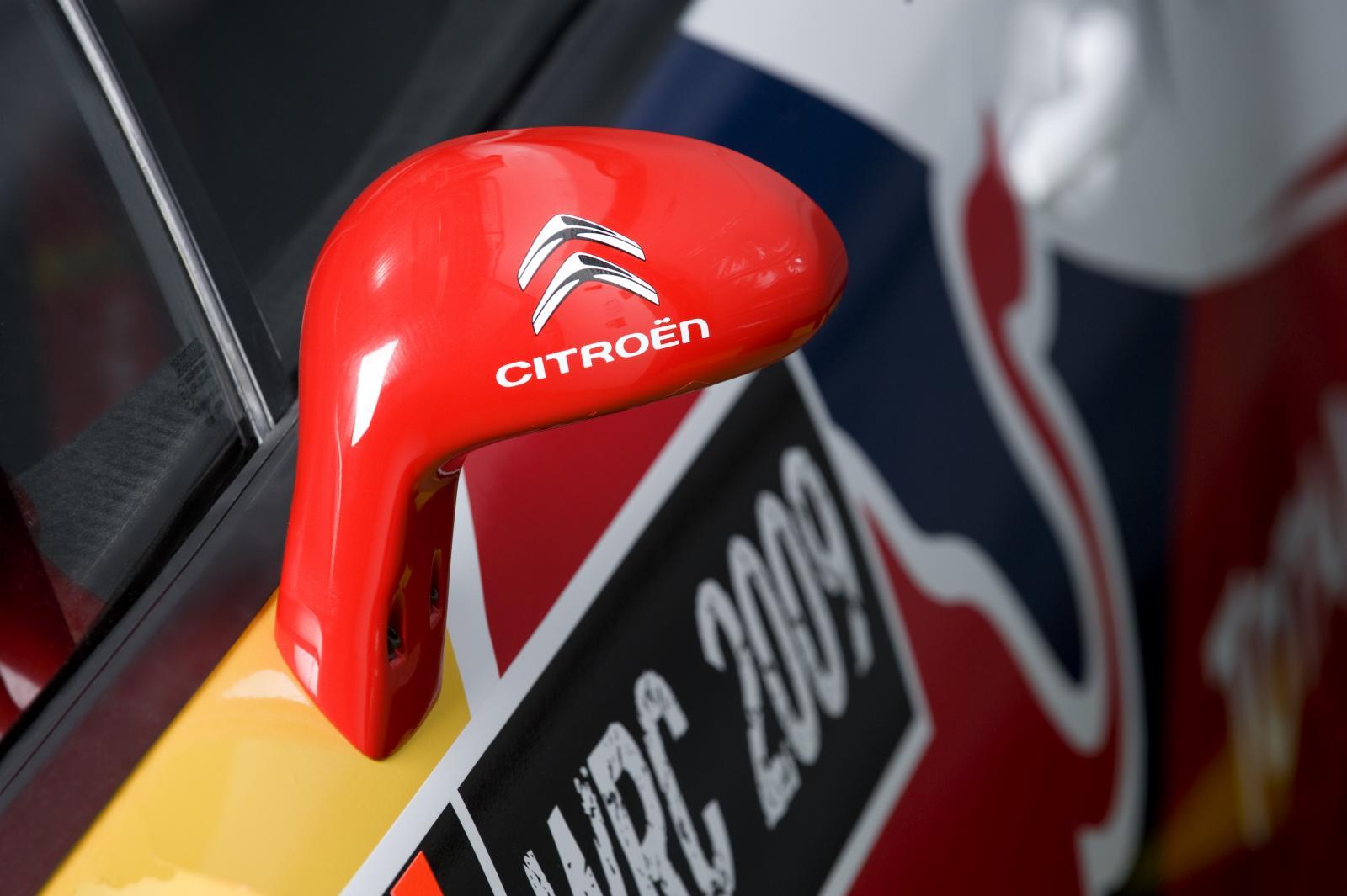 C4 WRC 2009 rétroviseur