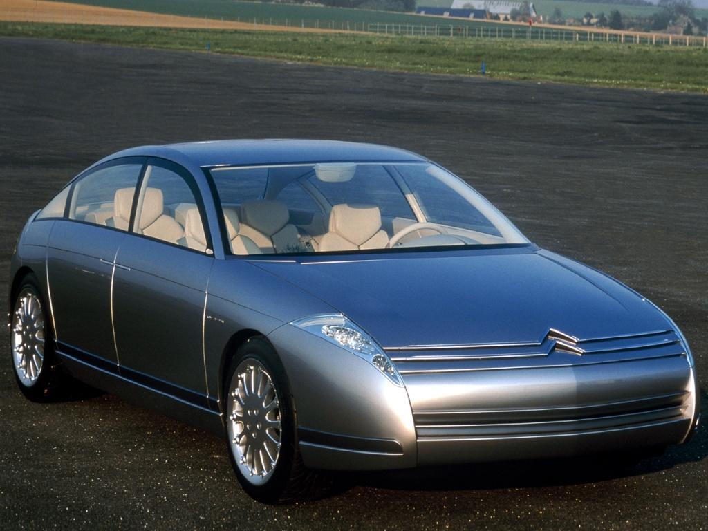 C6 lignage 1999 concept préfigurant la C6