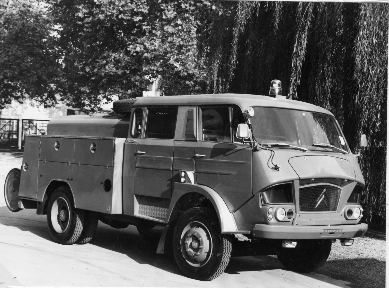Грузовик типа 700, пожарный