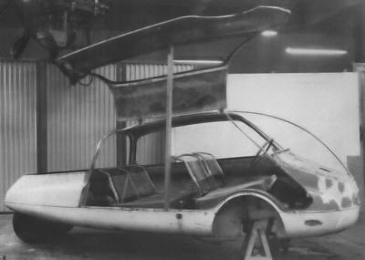 C10 coccinelle prototype 1955 porte ouverte