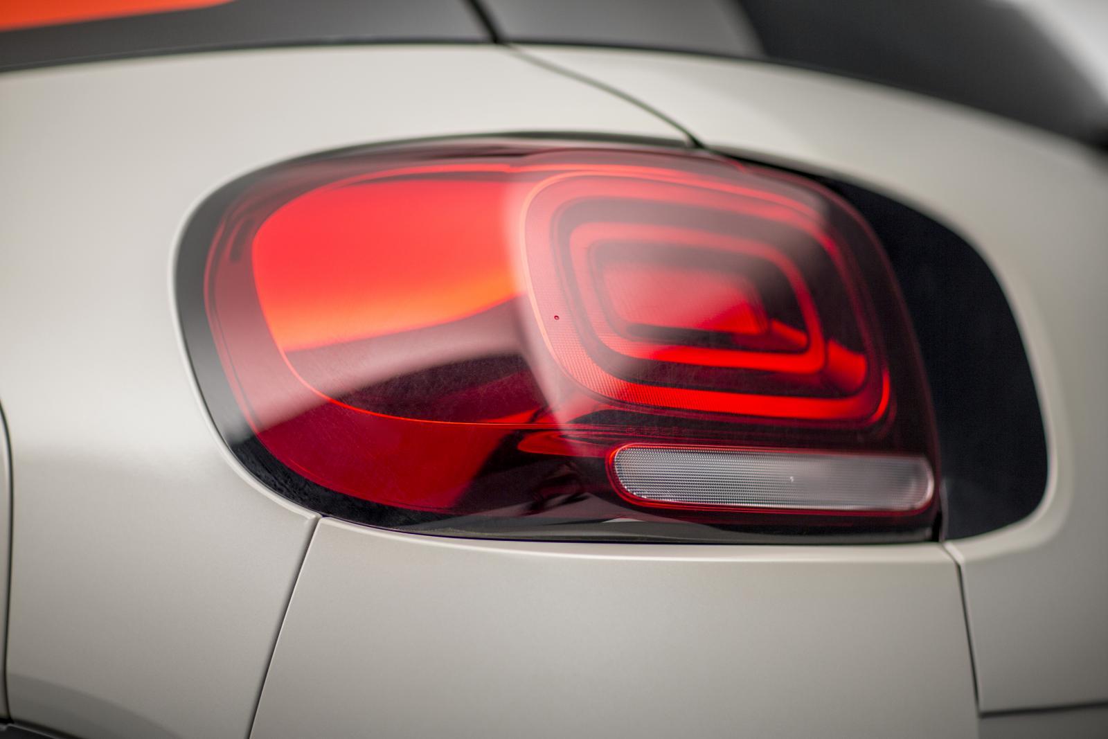 SUV Compact C3 Aircross – tylne światło