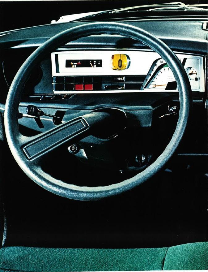 GS intérieur volant