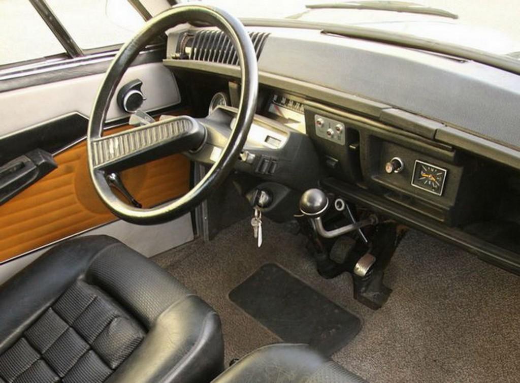 M35 1969 intérieur