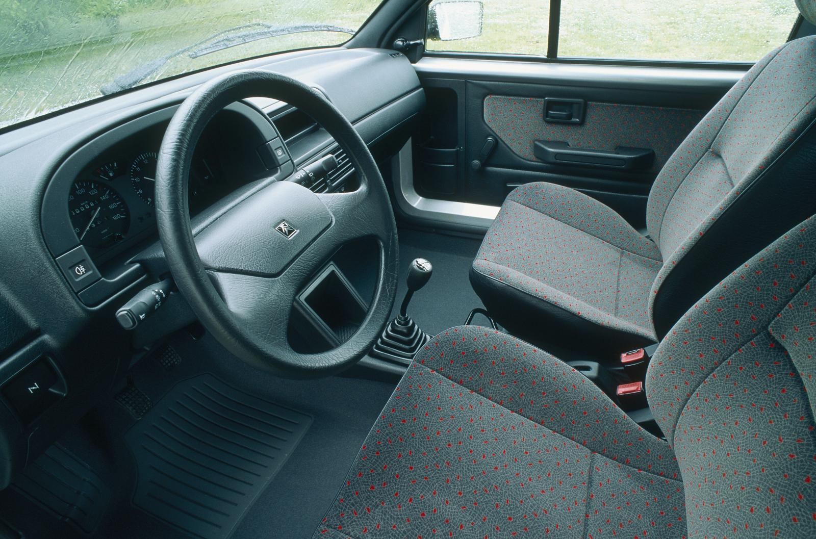 AX nouvelle génération en 1991 vue intérieure