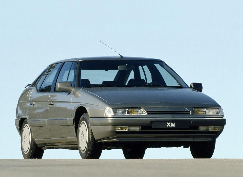 XM V6